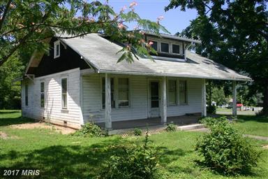 860 Leonard Street Photo #1