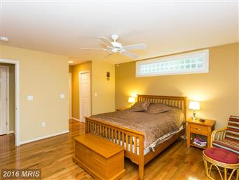 3713 Lakeview Parkway Photo #10