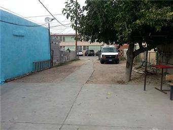 2923 E San Antonio Avenue Photo #4