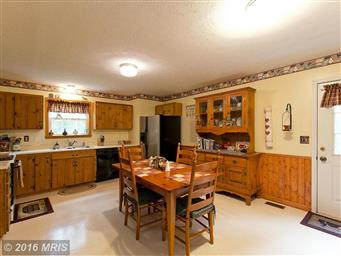 160 Country Squire Lane Photo #2