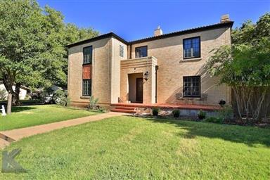 2142 Idlewild Street Photo #4