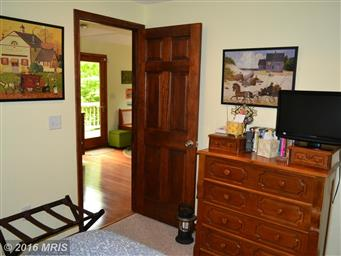 173 Pleasant Valley Dr Photo #9