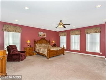 13728 Clear Spring Road Photo #16