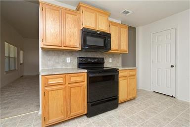 2401 Griffin Drive Photo #11