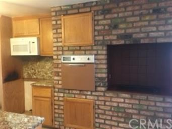 6425 Pineview Court Photo #12