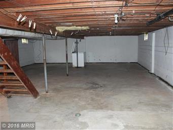 33 White Oak Court Photo #16