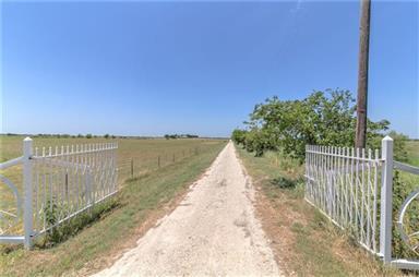 2826 County Road 2850 Photo #36