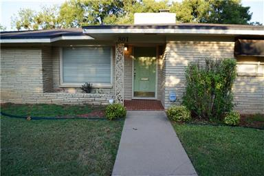 801 Elmwood Drive Photo #1