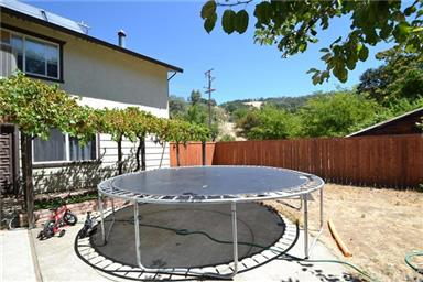 3655 FOOTHILL DR Photo #7