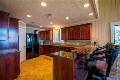 238 Bayview Dr Photo #7