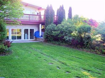 11 Oak Terrace Photo #4