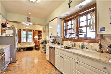 2142 Idlewild Street Photo #5