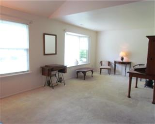 9 N Turnberry Drive Photo #7