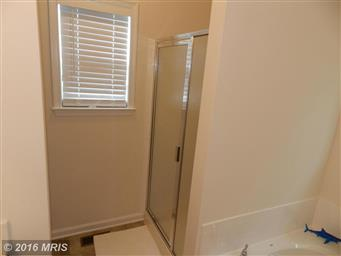 211 MEADOW AVE Photo #14