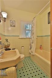 2142 Idlewild Street Photo #24
