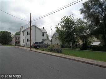 542 N High Street Photo #7