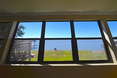 228 Lakeshore S Photo #13