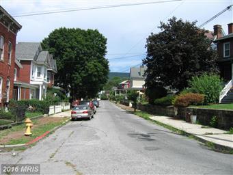 206 Columbia Street Photo #16