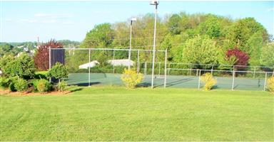 11 Oak Terrace Photo #5