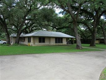 211 Oak Cluster Drive Photo #2
