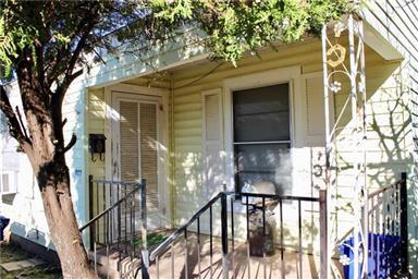 402 S Pecan Street Photo #2