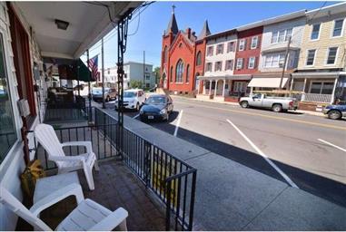 418 E Centre Street Photo #7