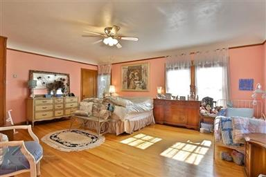 2142 Idlewild Street Photo #25