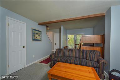 4 Lakeview Court Photo #6