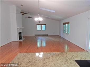 3802 Lakeview Parkway Photo #9