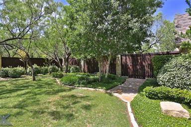 4402 La Hacienda Drive Photo #4