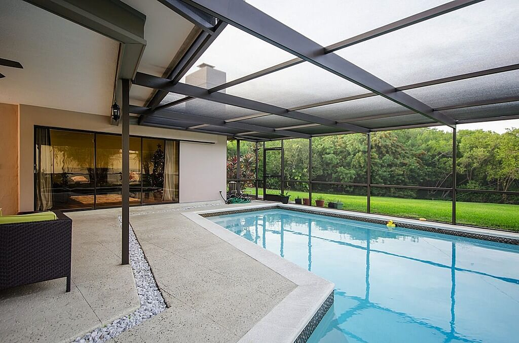 Small Backyard Swimming Pool Designs