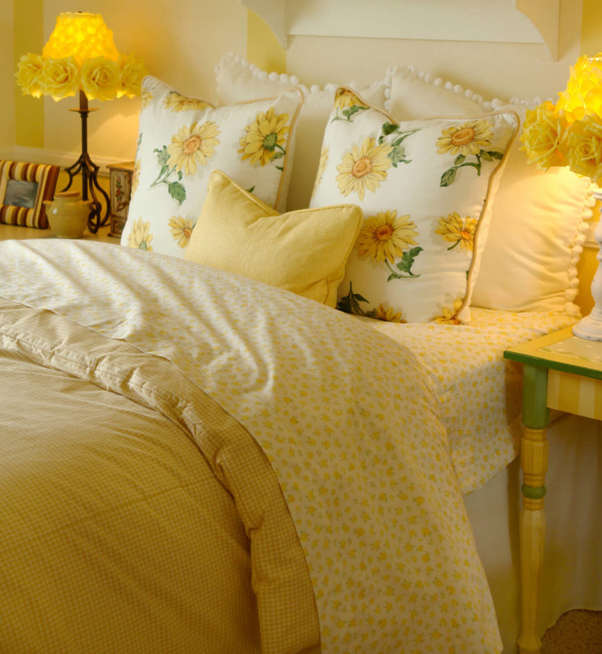 Yellow Throw Pillows Bed : 50 Decorative King and Queen Bed Pillow Arrangements & Ideas (PICTURES)