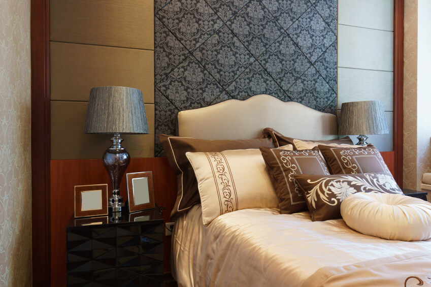 Cream ivory and chocolate browns envelop the room with an intricate black accent & 50 Decorative King and Queen Bed Pillow Arrangements \u0026 Ideas ... pillowsntoast.com