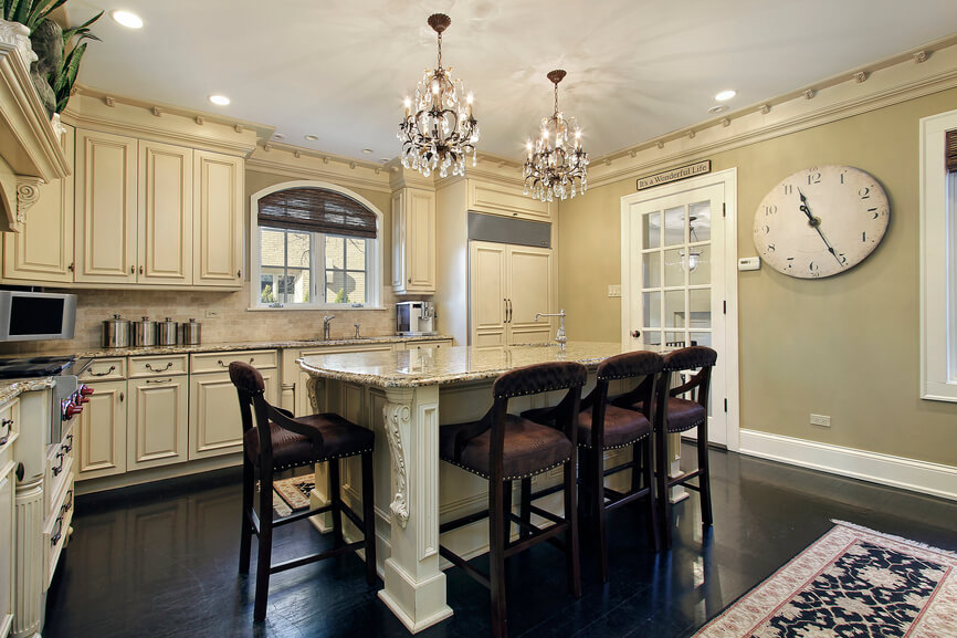 Awesome Kitchen Center Island Tables Part - 14: In A Luxuriously Detailed Kitchen, High Contrast Informs The Overall Style.  Dark Hardwood Flooring