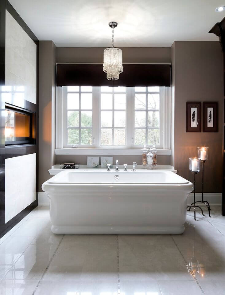 Flat 3-Frame Window Spanning Length of Bathtub