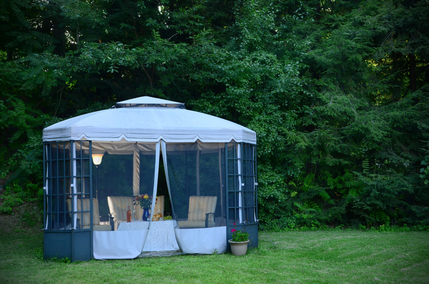 27 gazebos with screens for bug free backyard relaxation - Attractive patio gazebo canopy designs for inviting outdoor room ...