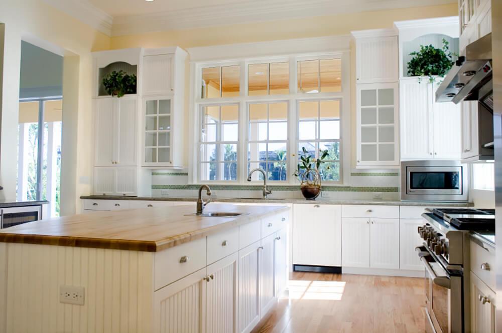 Farmhouse Kitchen in White