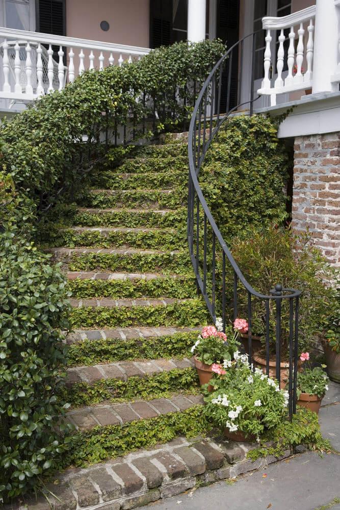 60 outdoor garden landscaping step ideas for Step up garden designs