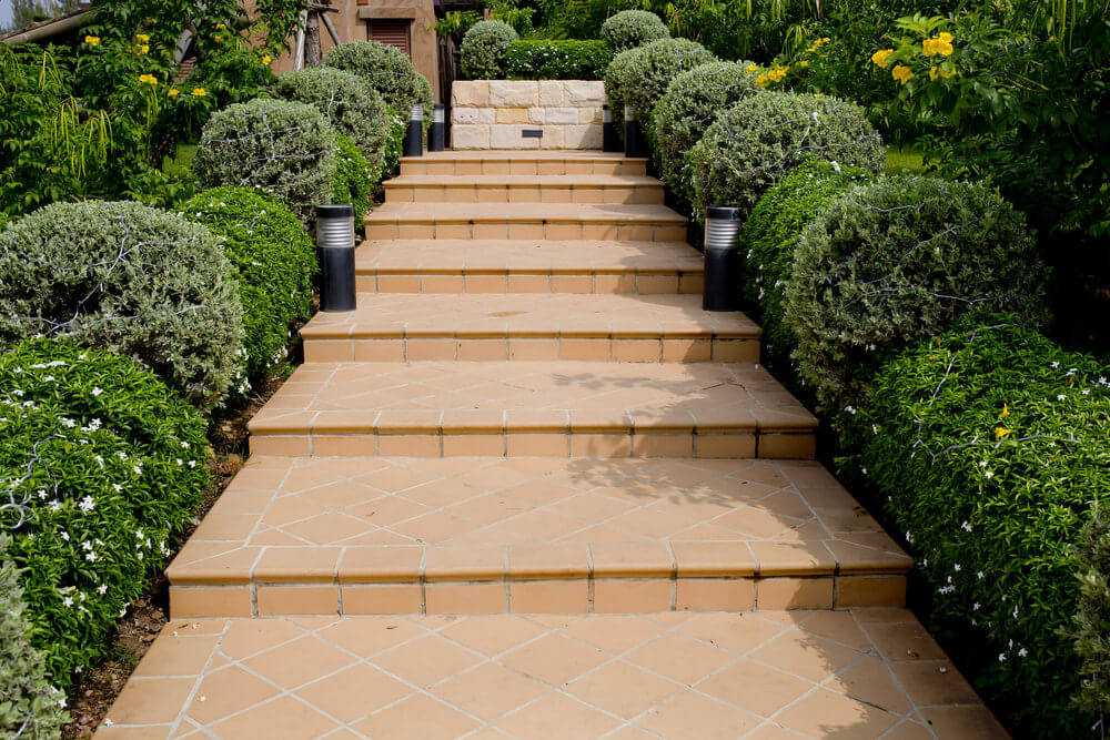Landscaping Shrubs Around House : Outdoor garden landscaping step ideas