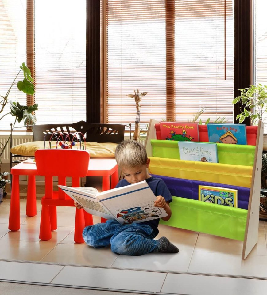 There are many ways to display the books in your reading space. For younger children who are still reading larger picture books, you may want to simply display the books so that the covers can be easily seen.