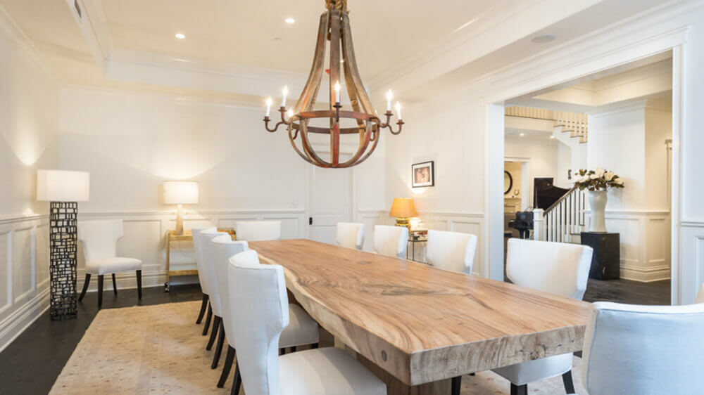 Best Dining Tables feste eiche esstisch handgemachte modernes design solid oak dining tablesolid The Thick Wooden Dining Table And A Few White Dining Chairs Impart A Matching Effect On
