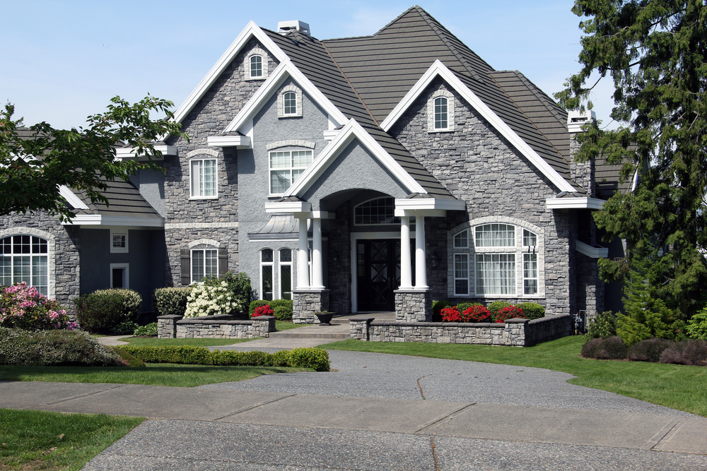 12 types of home exteriors photos prices pros cons for Different exterior house styles