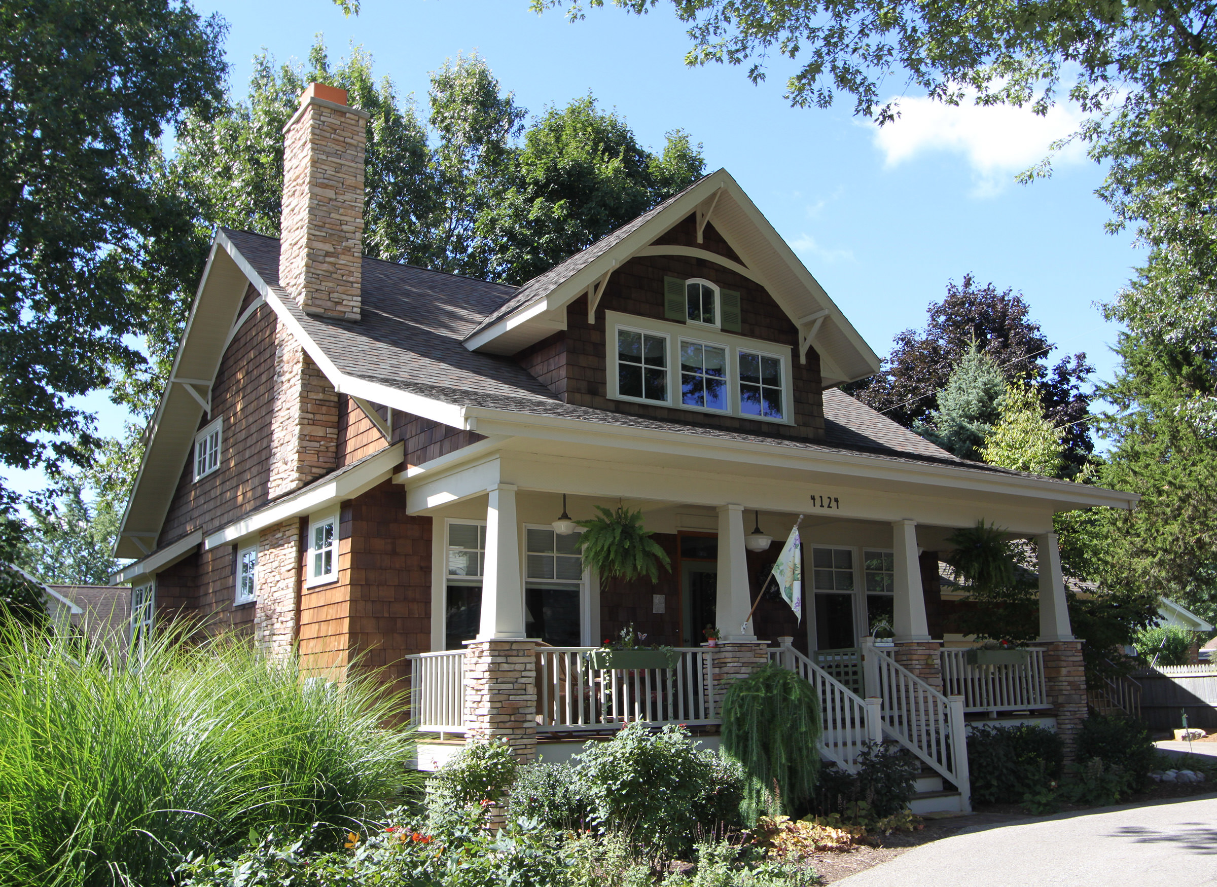 32 types of architectural styles for the home modern for Craftsman style homes exterior photos