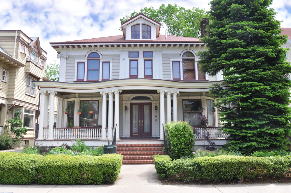 Square House With Columns : American foursquare home photos plus architectural details