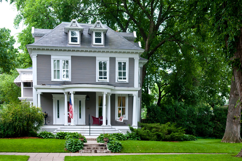 38 american foursquare home photos plus architectural details for Four square home designs