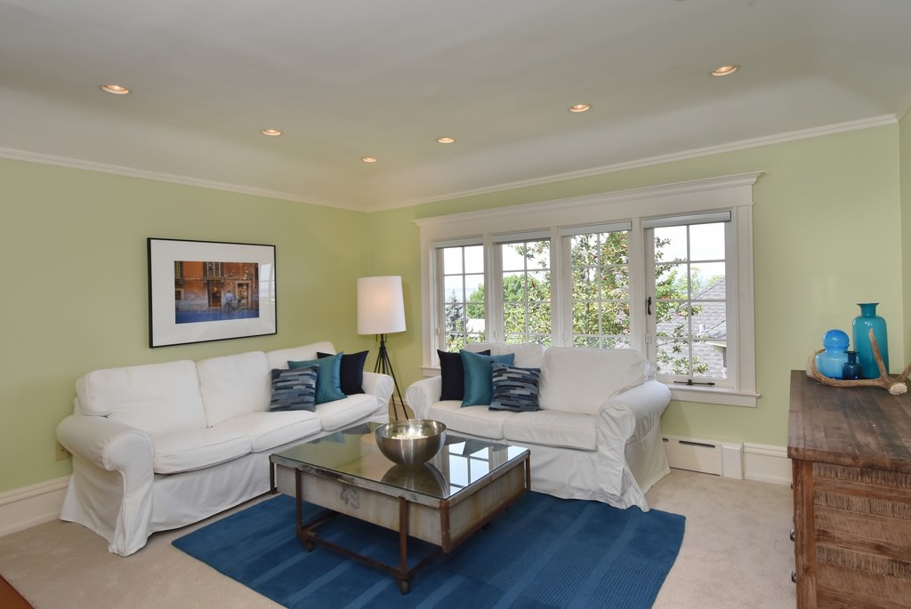 20zs-American-Foursquare-House-Interior