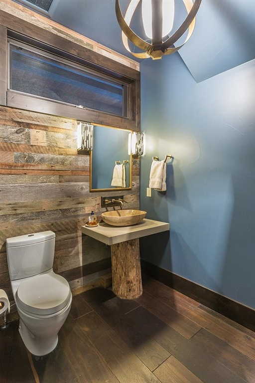 Wide Base Pedestal Sink : ... pedestal sink has a tree trunk base, and the counter and basin are