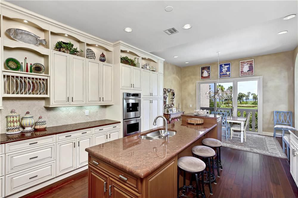 Traditional kitchen design with double wall oven close to the sink and  plenty of counter space44 Kitchens with Double Wall Ovens  Photo Examples . Easy Kitchen Designer. Home Design Ideas