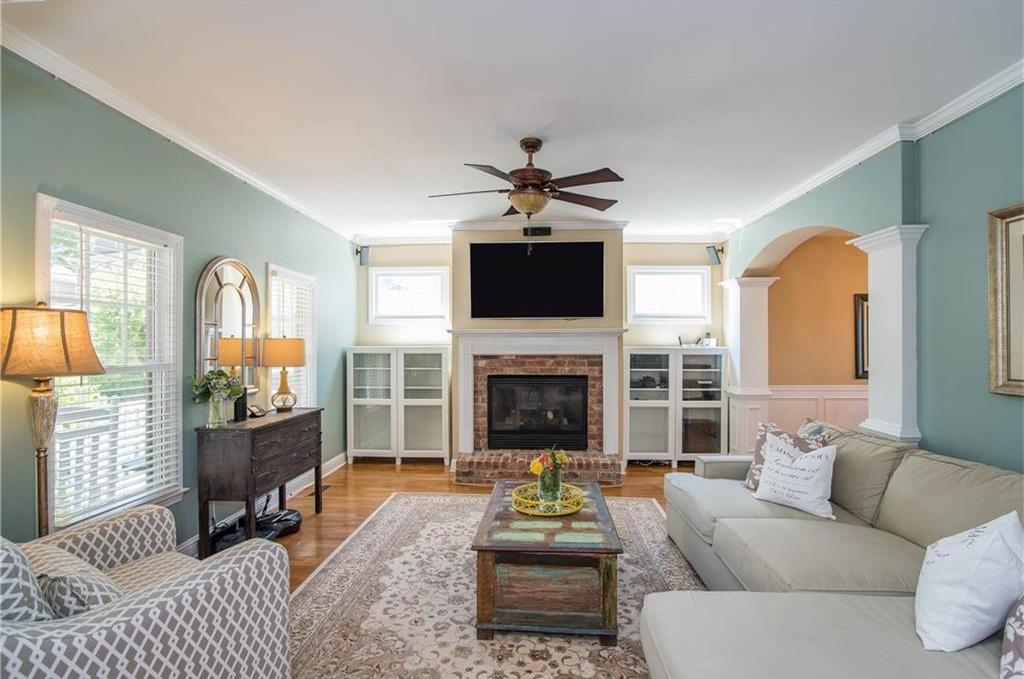 Living room in beautiful Atlanta starter home