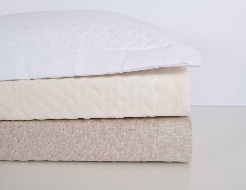 COTTON: One Of The Most Popular Fibers Used To Make Bed Sheets, Cotton, Is  Smooth, Long Lasting, And Easily Maintained. You Can Come Across Many Types  Of ...